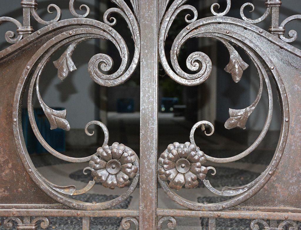 Cancelli in ferro battuto ditta albano casale monferrato for Foto di ringhiere in ferro battuto
