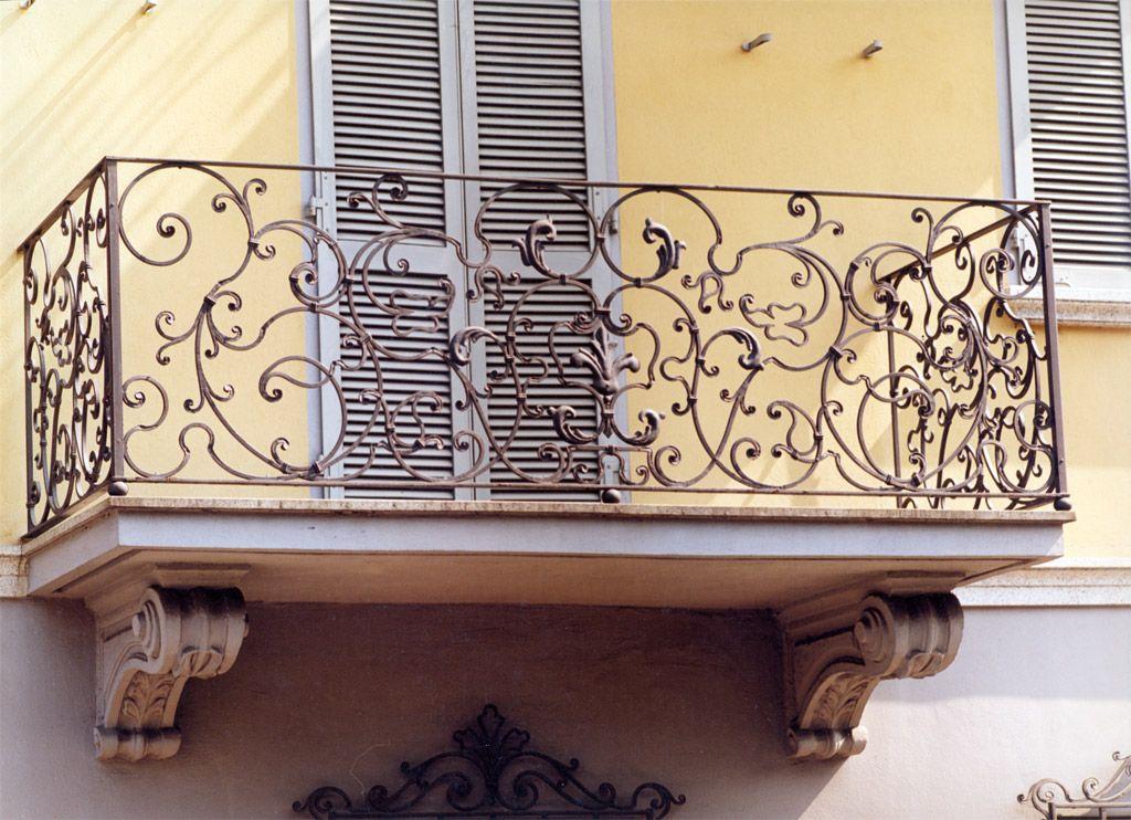 Balconi per case d 39 epoca ditta albano casale monferrato for Decorazioni in ferro battuto