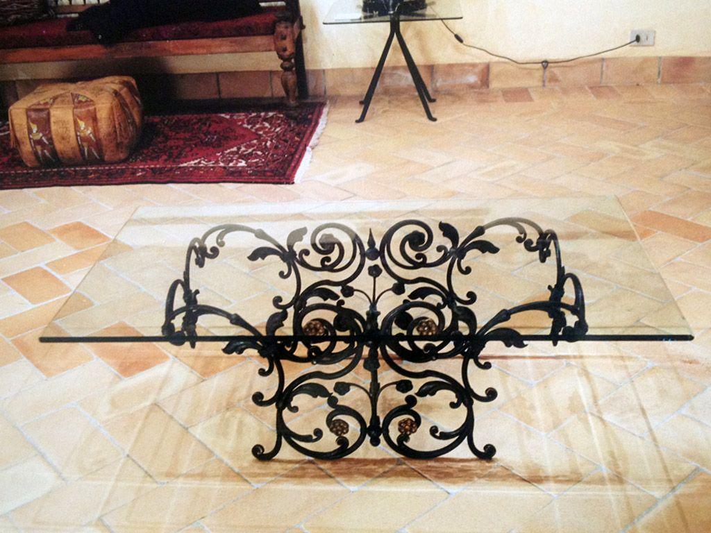 Tavoli in ferro battuto ditta albano casale monferrato for Arredamento gotico